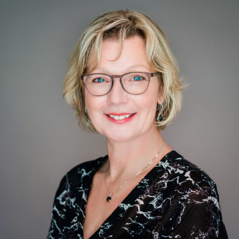 Portrait image of Linda Duivenvoorden, Accounts Manager